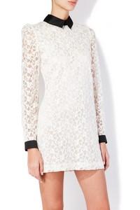 белое платье с черным воротником