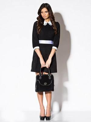 что из вещей хорошо подходит к черное платью и резко-контрастному белому воротнику?