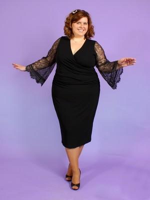 вырез на платье подчеркнет красоту и объем вашей груди