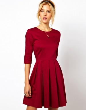 как можно подчеркнуть свою привлекательность, используя платье с юбкой в форме солнца