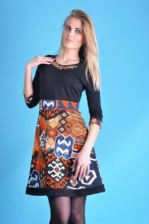 завышенная талия на юбке-колоколе - способ подчеркнуть вашу красоту и стройность