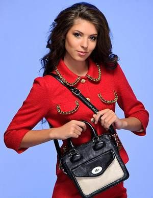 как женщине или девушке выбрать сумку, надеваемую через плечо