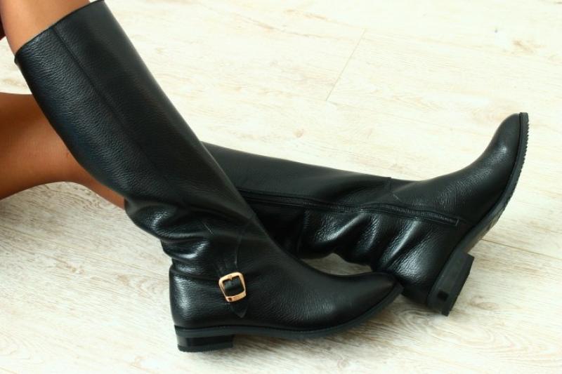 584e2a107 Преимущества и недостатки женских зимних сапог Адидас: стоит ли покупать  фирменную обувь?