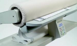 Как выбрать качественную гладильную машину для дома