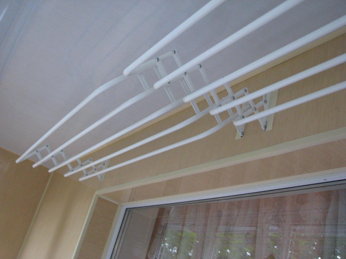 Потолочная сушилка для белья на балкон своими руками 10
