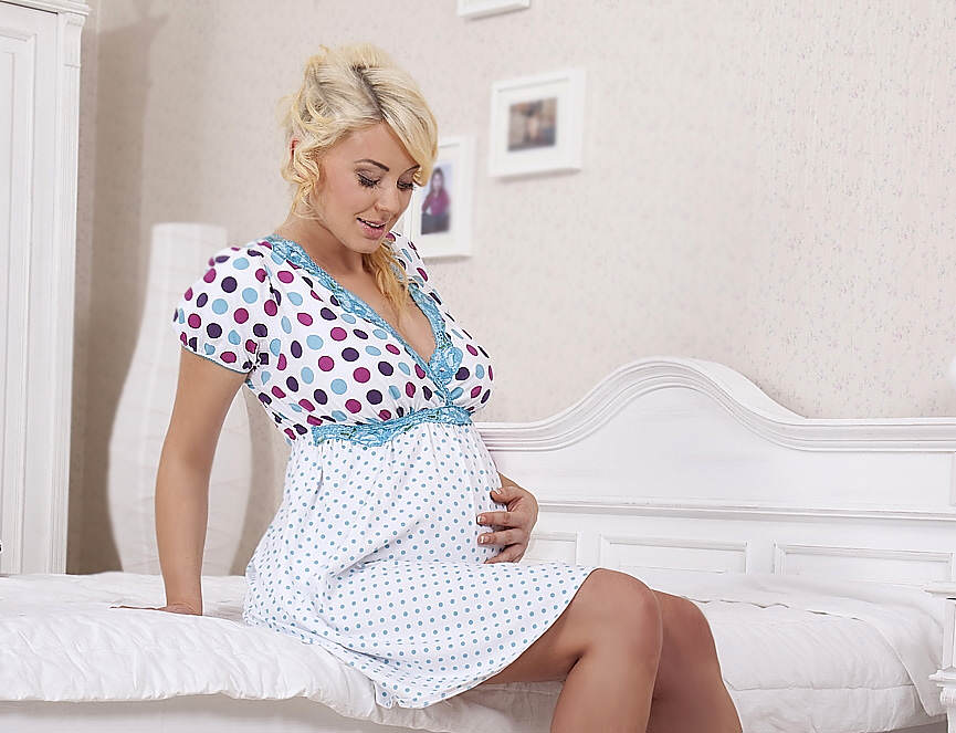 Скрыть живот при беременности с помощью одежды