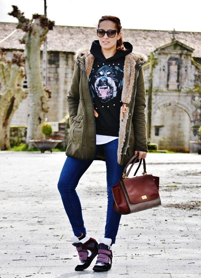 a5918807 Куртка-парка — это модная и стильная любимица многих девушек. Она имеет  простой крой, удобна и красиво сидит на фигуре, не добавляя лишний объем.