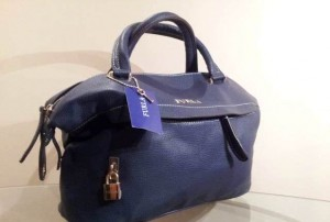 868c5b65babf В каких интернет-магазинах можно купить сумки фирмы